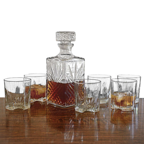 Whiskey Decanter & 4 Whiskey Glasses